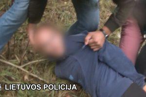 Drama Klaipėdoje: recidyvistai surišo ir apiplėšė vokietį (sulaikymo video)