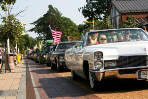 Palangos gatves užtvindys amerikietiški automobiliai