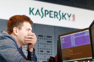 """Kremlius pasmerkė JAV draudimą tarnyboms naudoti """"Kaspersky Labs"""" produkciją"""