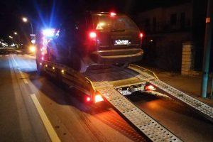 Girtas vairuotojas kurorte užvažiavo ant šaligatvio