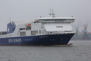 """""""DFDS Seaways"""" nusipirko laivą"""