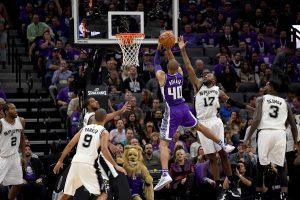 """NBA: antra """"Spurs"""" pergalė"""