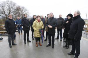 Politologai: S. Skvernelis siunčia žinią regionams
