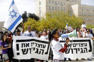 Izraelis atšaukė susitarimą su JT dėl afrikiečių migrantų perkėlimo