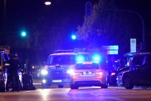 """Miunchene devynis žmones nušovęs """"pavienis"""" užpuolikas nusižudė"""