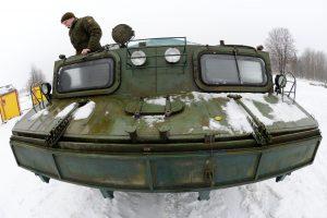 Pernai Karinės jūrų pajėgos padėjo išgelbėti aštuonis žmones