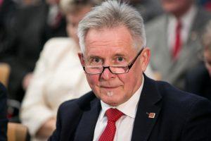 Į vadovų pareigas Seime - tik turintys leidimą dirbti su slapta informacija?
