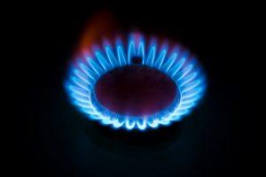 ESO pernai ketvirtadaliu sutrumpino elektros ir dujų įvedimą