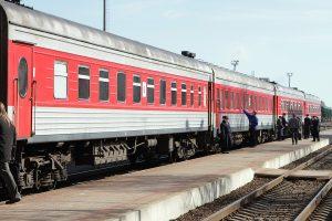 Neįtikėtina situacija: traukinio mašinistas pražiopsojo stotį