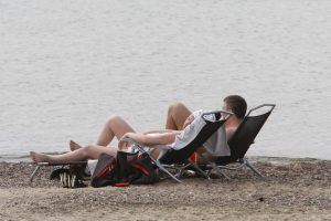 Paplūdimiuose – dar ne vasara