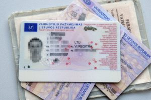 Sutriko vairuotojų pažymėjimų išdavimas