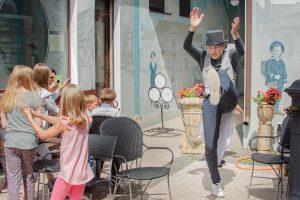 """""""Friedricho pasaže"""" aidi mažųjų lankytojų juokas"""