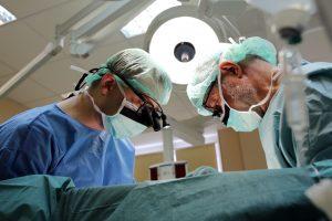 Gydytojas liepia nusipirkti priemonių operacijai: kada to daryti nereikia?