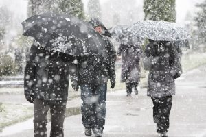 Savaitgalį lietų pradės keisti snaigės