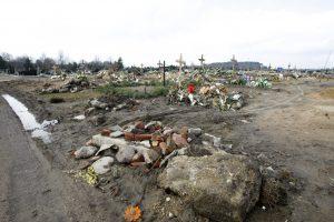 Kapinėse kasant duobę rado sprogmenį