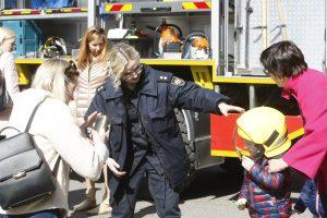 Vaikai įsijautė į ugniagesių vaidmenį