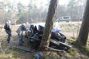 BMW avarija Melnragėje: vairuotojas – vis dar kritinės būklės