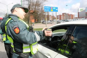 Saugaus eismo dieną užfiksuotas įspūdingas BMW greitis