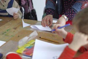 Edukaciniais projektais mažins socialinę atskirtį