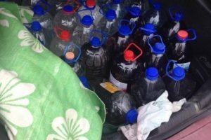 Moteris vežė 180 litrų naminės degtinės