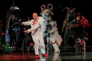 Klaipėdos muzikinio teatro spektaklyje šoks dvimetrinės pabaisos