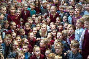 Vaikai per gimtadienį R. Meilutytei uždavė 20 klausimų