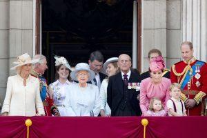 Niekas iš Britanijos karališkosios šeimos narių nenori perimti sosto