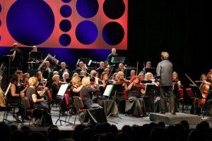 Muzikinis teatras rengia kelionę trijų ketvirčių taktu