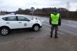 Kinas bandė prasmukti su padirbtu vairuotojo pažymėjimu