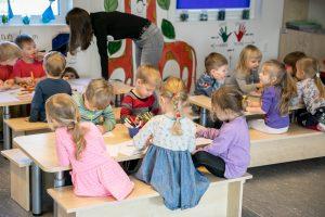 Vilniaus darželiuose dar neužpildyta 1200 vietų, tėvai raginami paskubėti