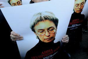 Dėl žurnalistės A. Politkovskajos nužudymo nuteisti penki asmenys