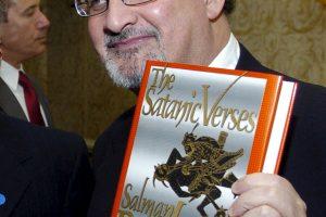 Pasmerkė rašytojui S. Rushdie paskelbtą fatvą