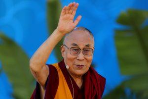 Tibetiečių dvasiniam lyderiui Dalai Lamai sukako 82-eji