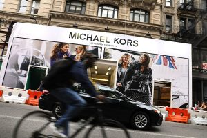 """Michael Kors"" perka ""Jimmy Choo"" už 1,2 mlrd. JAV dolerių"