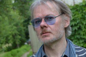 Poetas K. Navakas: bendram gyvenimui liepsninga aistra trukdo