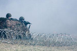 Kaip civiliai turėtų elgtis prasidėjus karui ar okupacijai?