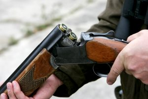 Dar viena medžioklė vos nesibaigė tragedija