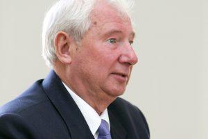 Buvęs vidaus reikalų ministras M. Misiukonis išteisintas dėl genocido