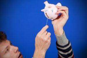 Apklausa: jeigu pajamos padidėtų, dauguma gyventojų jas skirtų taupymui