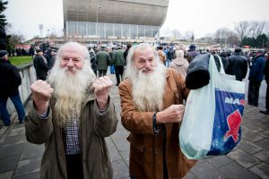 Tyrimas nustebino: populiariausios prekės Lietuvoje – maišelis ir loterijos bilietas