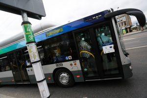 Sostinės viešojo transporto stotelėse bus įrengti nauji paviljonai