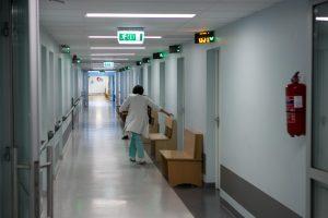 Klaipėdos ligoninėje mirė neaiškaus skysčio išgėrusi moteris