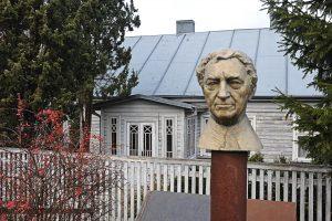 Kaunas pagerbs poetą B. Brazdžionį