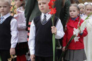 Pusė laisvos darbo dienos – mažuosius palydint į mokyklą
