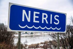 Aplinkosaugininkai aiškinasi į Nerį patekusių nuotekų žalą