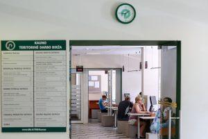 Darbo birža: laisvų darbo vietų yra dvigubai daugiau nei ieškančiųjų