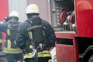 Ugniagesiams teko žadinti du kauniečius: gaisras vos nekainavo gyvybės