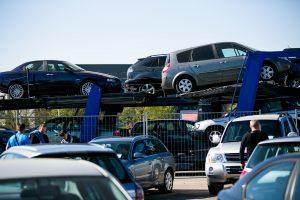 Statistiką gražina Lietuvoje nuperkami, bet į kitas šalis išvežami automobiliai