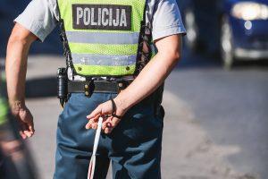 Kauno patruliai iš BMW vairuotojo paėmė 200 eurų kyšį