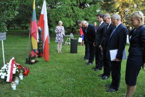 Pagerbė lenkų tragedijos aukas